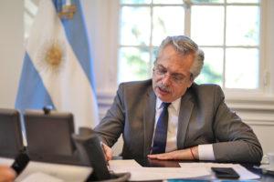 Plebiscito, democracia, deuda y feminismo, en cuarentena obligatoria en América Latina