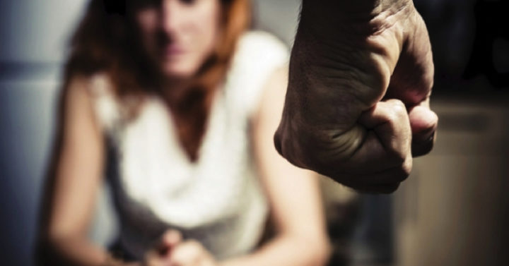 Violenza sulle donne in quarantena: materiale informativo gratuito in più lingue per migranti