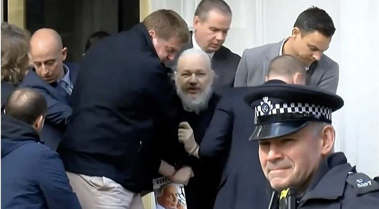 One of the last images of Julian Assange at the time of his arrest in London