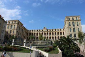 Cómo transformar un hospital en hotel de lujo en tiempos del coronavirus