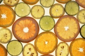 Un alto dosaggio di vitamina C può funzionare per la prevenzione e il trattamento del Covid-19?