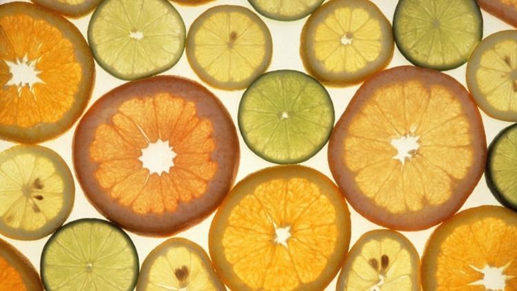Hochdosiertes Vitamin C zur Prävention und Behandlung von Covid-19?