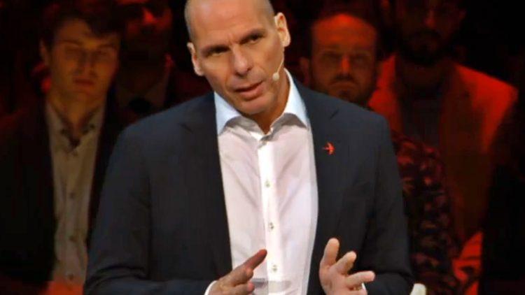 Yanis Varoufakis ad un convegno di DiEM25