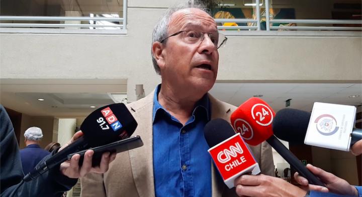 Chile: Diputado Hirsch presenta proyecto de ley que deja sin efecto el alza de las isapres