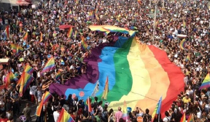 """28. İstanbul LGBTİ+ Onur Haftası'nın teması belli oldu: """"Ben Neredeyim"""""""