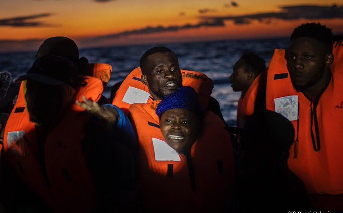 NGOs zum Safe-Harbor-Erlass: «Die Rettung aller Leben, sowohl an Land als auch auf See, ist möglich und notwendig.»