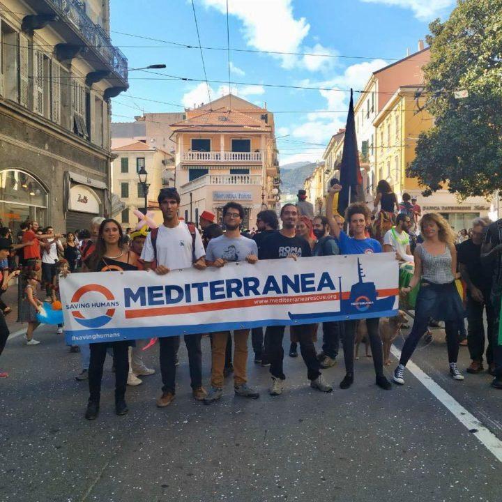 """Appello di Mediterranea: """"Nessuna notizia da Malta su gommone con 55 persone a bordo. Chiediamo al governo italiano di intervenire"""""""