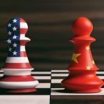 Κατασκευάζοντας τον εχθρό. Από τον εμπορικό πόλεμο μέχρι την πανδημία, η αδύνατη συμβίωση Κίνας – ΗΠΑ