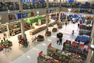EUA: Trabalhadores do Walmart, Amazon e Whole Foods planejam greve no 1º de maio