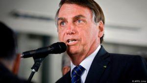 Bolsonaro aboga por regreso a la «normalidad» después de renuncia de Ministro de Salud