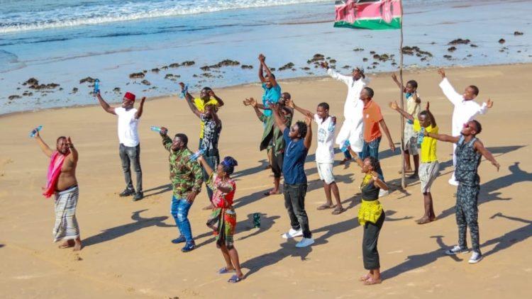 Au Kenya : HAKI IWE NGAO – la justice est notre écran protecteur et notre défenseur