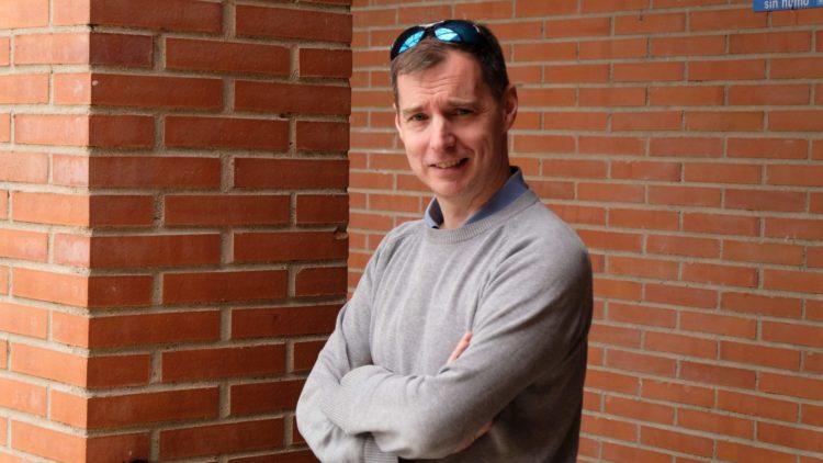 Interview avec le réformateur social humaniste Tony Robinson