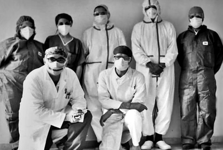 L'equipe medica del professor Giuseppe De Donno