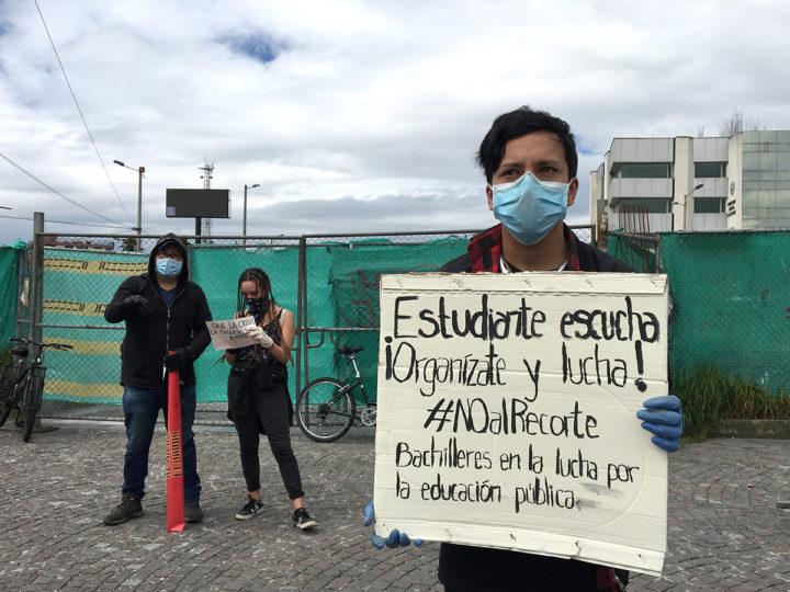 Plantón contra el recorte del presupuesto de la educación pública en Ecuador