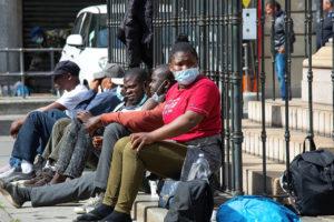 Inmigrantes, sin hogar: de vuelta a las calles, ¿comenzó la fase 2?