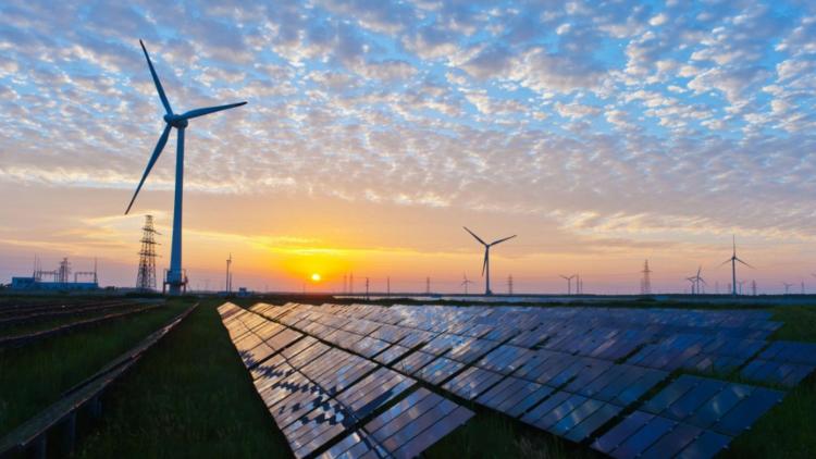 Aurora Energy Research: In Deutschland kann das Dreifache des heutigen Strombedarfs alleine mit Solar- und Windenergie erzeugt werden
