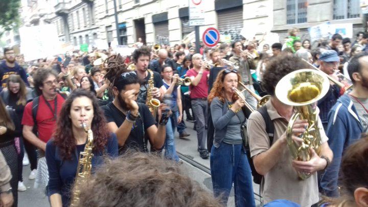 Coronavirus, l'attivismo non si è fermato – 18. La Banda degli Ottoni di Milano