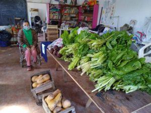 Comedores comunitarios reciben verduras donadas por privados de libertad