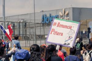 Chile: la ineficiencia de un gobierno arrogante que pone en peligro a la población