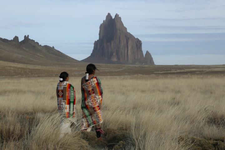 """""""Vive y deja morir"""": el mensaje hacia los pueblos indígenas que Trump no pudo ocultar"""
