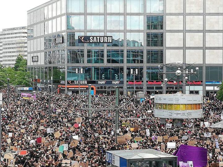"""""""Silent Demo"""" gegen Rassismus Berlin"""