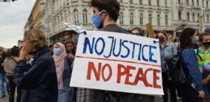 """Si moltiplicano in tutta Italia le manifestazioni """"Black Lives Matter"""""""
