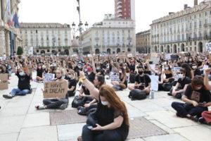 I Can't Breathe: sentito e partecipato flash mob a Torino