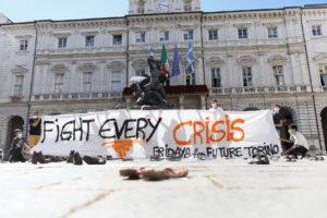Fridays for Future torna in piazza a Torino: presentate le dieci proposte politiche elaborate insieme a Rete Ambiente e Clima