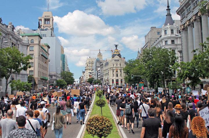 Madrid. Manifestation devant l'ambassade des États-Unis à la mémoire de George Floyd