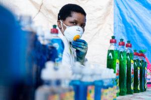 """Covid-19: ONU e Cruz Vermelha pedem união por vacina """"para ricos e pobres"""""""