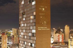 Edificio di Niemeyer: proiezioni che trasmettono consapevolezza e speranza