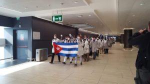 Cuba riabbraccia i medici al rientro dalla Lombardia
