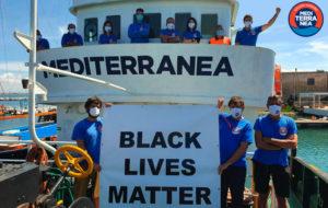 Mediterranea riparte, Mare Jonio salpa dal porto di Trapani per la sua ottava missione