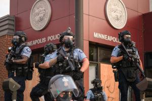 Minneapolis decide desmontar Departamento de Polícia depois da morte de George Floyd