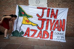 Kurdistan, Palestina e Pride: l'esperimento riuscito della piazza bolognese.