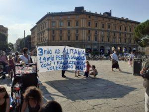 Bologna in piazza per chiedere un cambio radicale nel mondo della scuola