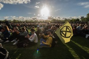 Sit-in nonviolento di Extinction Rebellion agli Stati Generali dell'economia