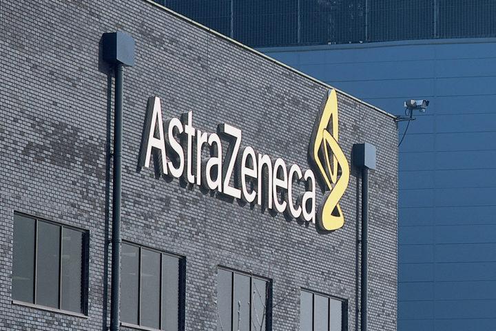 Ασθενείς καλούν την AstraZeneca από τώρα να παραδώσει τις πατέντες του εμβολίου που θα παράξει για την πανδημία