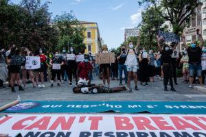 Black Lives Matter, manifestazione anche a Pescara. FOTO