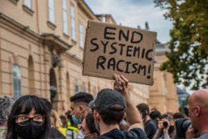 Estados Unidos: De la protesta violenta a la ¿revolución noviolenta?