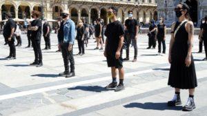 Artisti in piazza: ci siamo anche noi