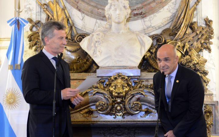 Espionagem a jornalistas e dirigentes, prática ilegal e habitual do governo Macri
