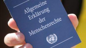 Blind und taub gegenüber den Menschenrechten