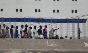 UNHCR ed OIM chiedono lo sbarco urgente dei rifugiati e dei migranti salvati nel Mediterraneo centrale