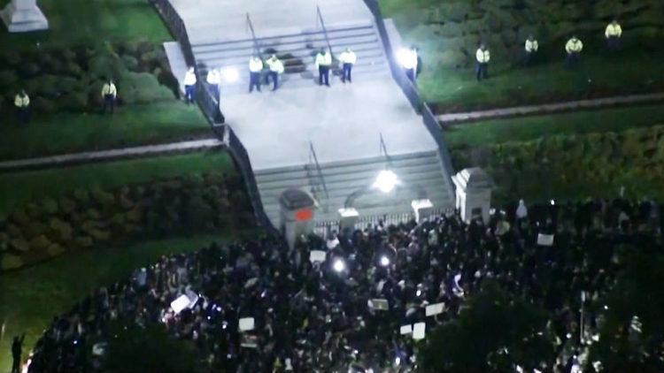 Les protestations de Minneapolis à l'épicentre du soulèvement national se heurtent à une violence policière accrue