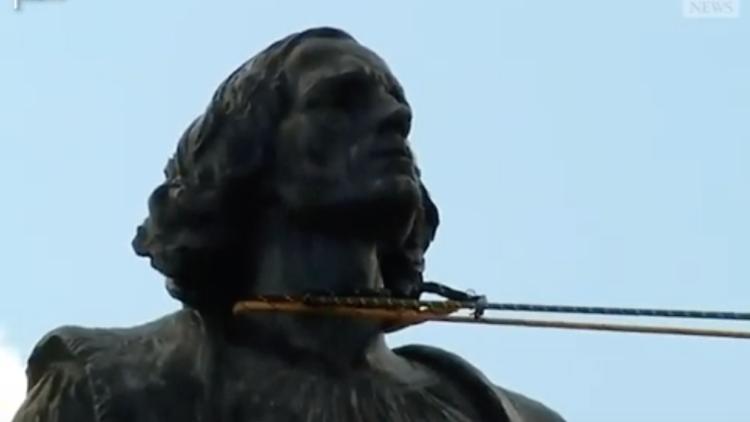 Démanteler la statue d'un colonialiste a une profonde signification spirituelle