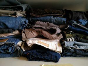 Raccolta di vestiti estivi per i rifugiati bloccati alla frontiera tra Bosnia e Croazia