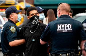 Basta alla violenza della polizia USA verso i giornalisti. L'appello delle maggiori associazioni per la libertà di stampa