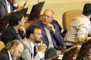 Diputado Hirsch celebra histórica reforma que permite retiro de fondos previsionales en Chile