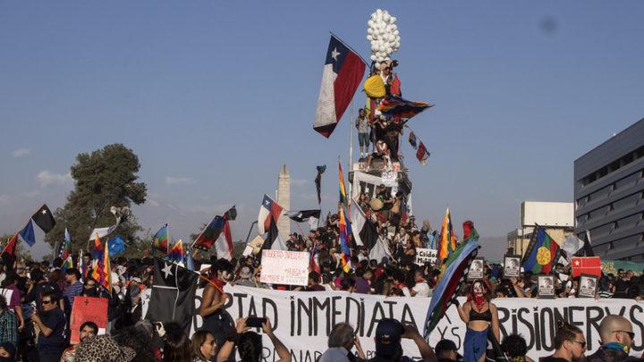 """The Economist anuncia cambios del """"modelo chileno"""""""